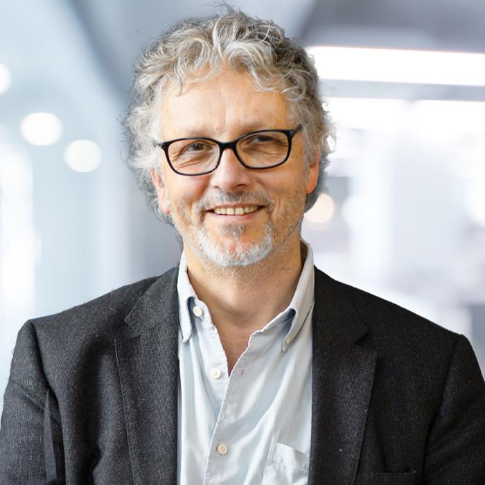 Prof. Dr, Stefan Busse
